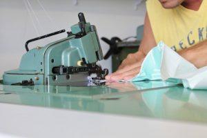 Une des nombreuses machines utilisees par notre couturier.