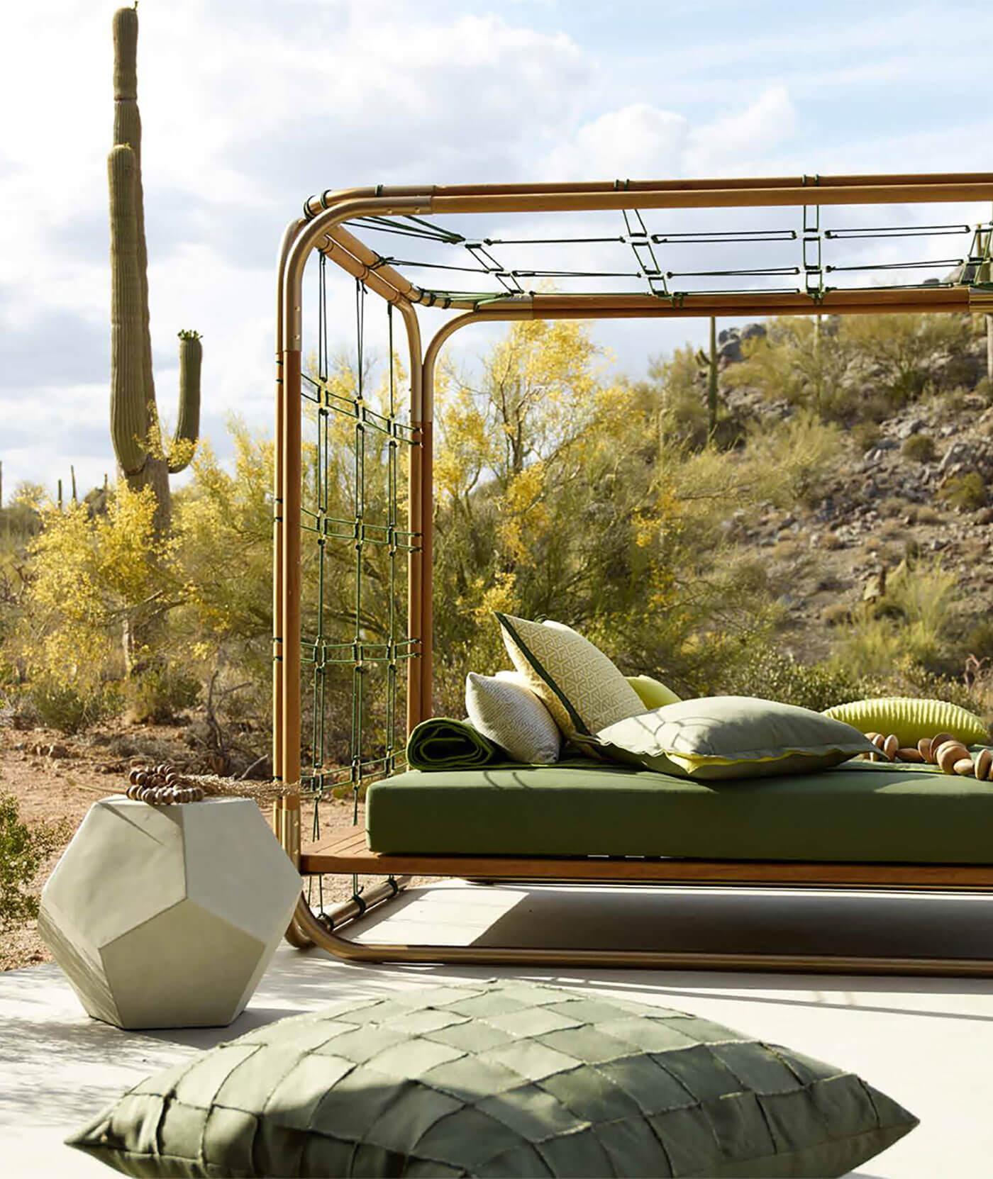 Lit Exterieur Design lit de jour extérieur   paja couturier en design d'intérieur